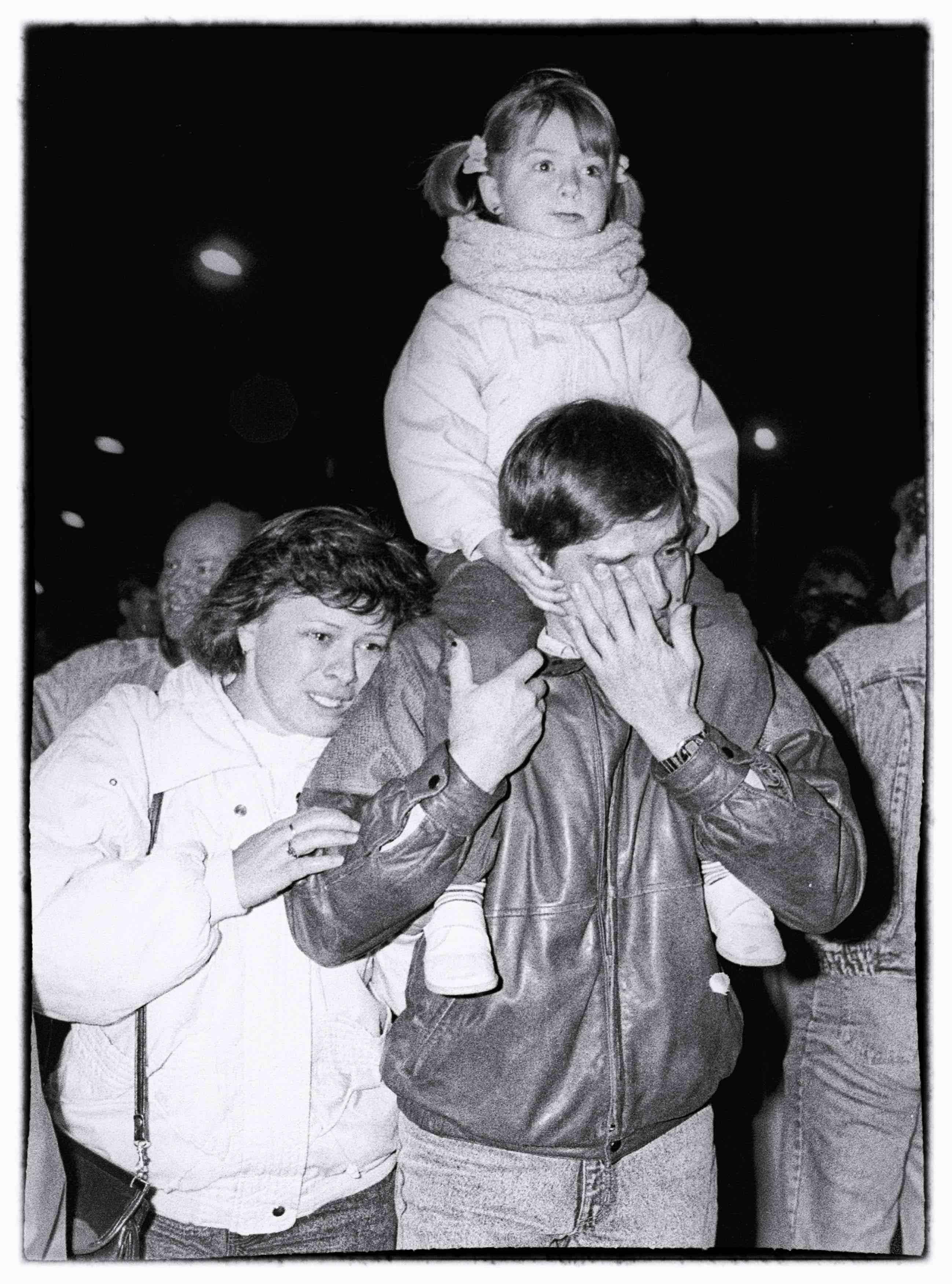 Mario Laporta_Il muro è caduto_1989_Tiratura 150_Stampa Giclée Fine Art su carta Hahnemuehle Baryta, 315 g_Courtesy l'artista